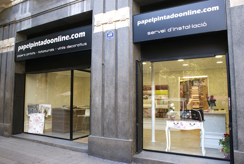 Nuestras tiendas en barcelona papel pintado barcelona for Papel pintado barcelona