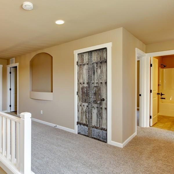 Decorar una puerta con fotomurales papel pintado barcelona for Murales pared baratos