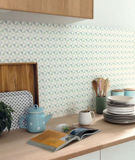 Papel pintado triángulos azules y verdes Spaces Caselio
